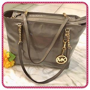💝 MICHAEL KORS 💝 gray zip top shoulder bag